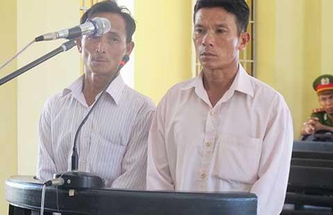 Hai người thân của HS bị công an xã đánh chết đều lãnh án tù - ảnh 1