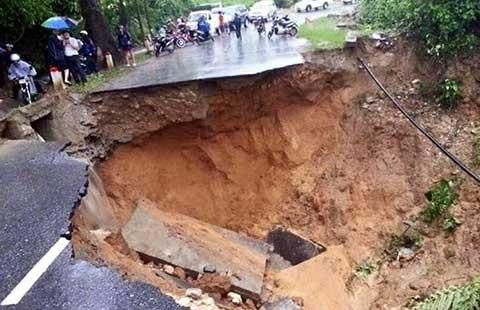 Mưa lũ sau bão số 1: Tám người chết, sáu mất tích - ảnh 1