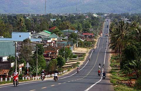 Thông xe hai dự án đường Hồ Chí Minh trước sáu tháng - ảnh 1