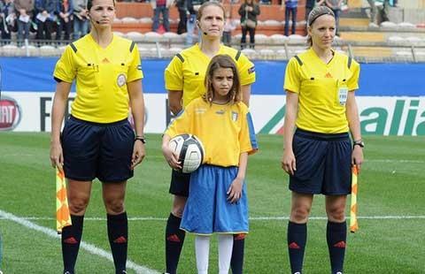 Khi trọng tài nữ điều hành World Cup nữ - ảnh 1