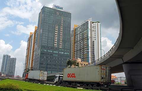 Dự án căn hộ bùng nổ, hạ tầng hụt hơi - ảnh 1
