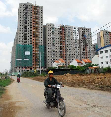 Dự án căn hộ bùng nổ, hạ tầng hụt hơi - ảnh 2