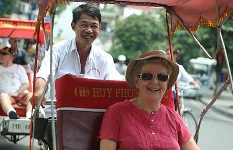 'Chặt chém' làm xấu du lịch Việt Nam  - ảnh 1