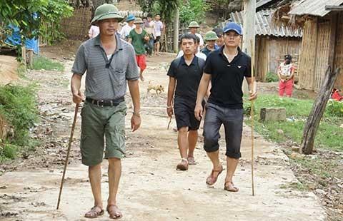Truy tìm con dao sát hại bốn người ở Nghệ An - ảnh 1