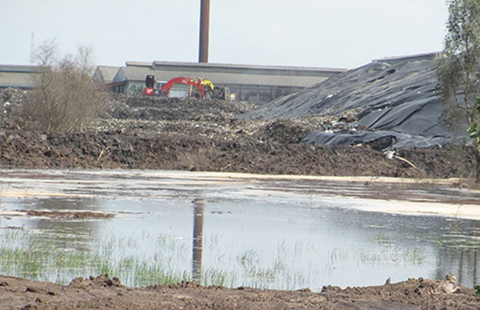 Hai nhà máy tái chế rác hiện đại cùng gây ô nhiễm - ảnh 1