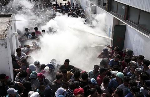 Châu Âu: Từ khủng hoảng nhập cư đến 'thế khó' chính trị - ảnh 1