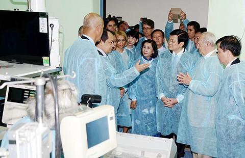 Chủ tịch nước dự khánh thành khu kỹ thuật Viện Tim TP.HCM - ảnh 1