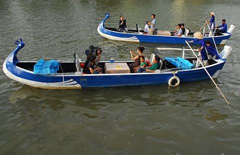 Du lịch trên kênh Nhiêu Lộc - Thị Nghè có gì lạ? - ảnh 1