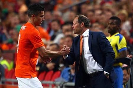 Vòng loại Euro 2016: Hà Lan tìm lối thoát - ảnh 1