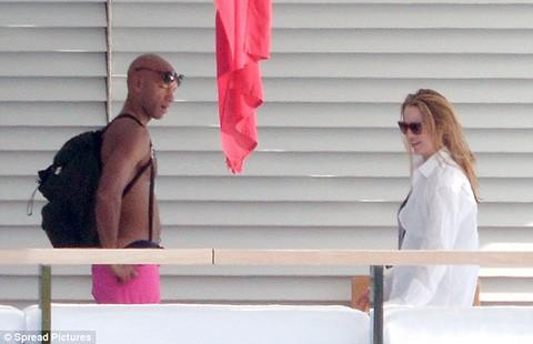 Vợ Steve Jobs cặp kè với tình nhân mới - ảnh 1