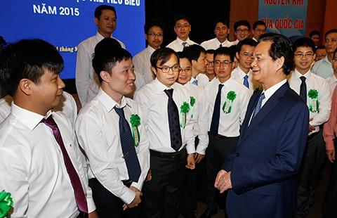Thủ tướng gặp mặt 70 nhà khoa học trẻ tiêu biểu năm 2015  - ảnh 1