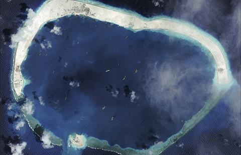 Mỹ phản đối Trung Quốc xây đường băng - ảnh 1
