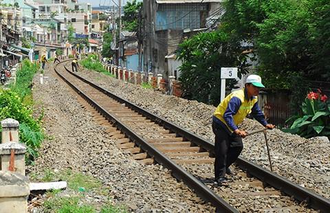 Xây mới đường sắt quốc gia qua TP.HCM - ảnh 1