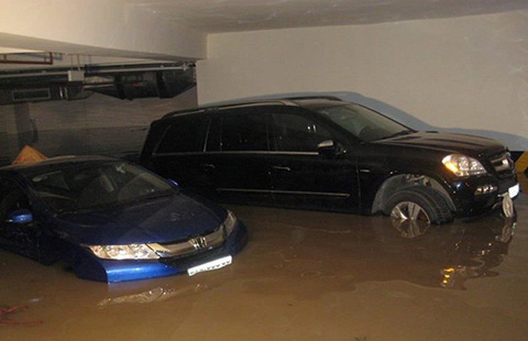 Nước ngập nhà xe, ai chịu trách nhiệm? - ảnh 1