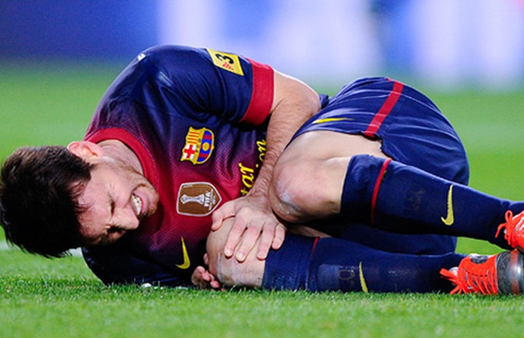 Barcelona khủng hoảng cùng đôi chân Messi - ảnh 1