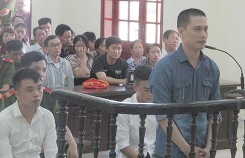 Vụ xả súng ở Nghệ An làm chết một người, bị cáo lãnh 16 năm tù - ảnh 1