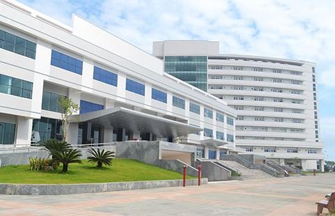 Bệnh viện trả lại 37 tỉ đồng từ thiện - ảnh 1