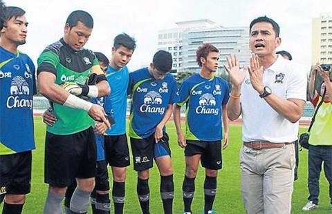 Đội Thái Lan đã nóng từ khi chưa đến Việt Nam - ảnh 1
