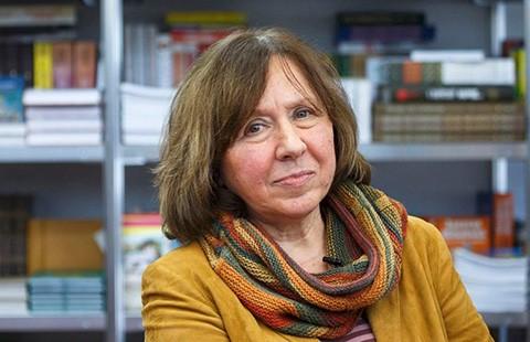 Chủ nhân Nobel văn học 2015: Người đa tài! - ảnh 1