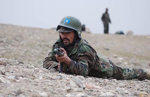 Tổng thống Obama hoãn rút quân khỏi Afghanistan - ảnh 1