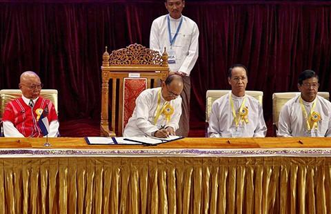 Tám nhóm Myanmar thỏa thuận ngừng bắn  - ảnh 1