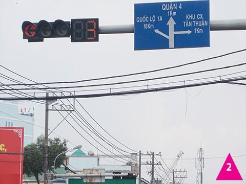 Biển báo giao thông gây ngơ ngác - ảnh 2