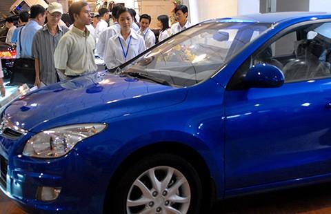 Giá ô tô nhập khẩu có thể giảm một nửa từ năm 2019 - ảnh 1