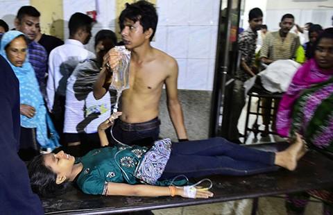Nhà nước Hồi giáo đánh bom Bangladesh  - ảnh 1