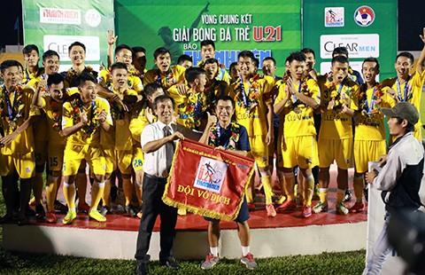 Thành lập đội U-21 Việt Nam dự giải U-21 quốc tế báo Thanh Niên - ảnh 1