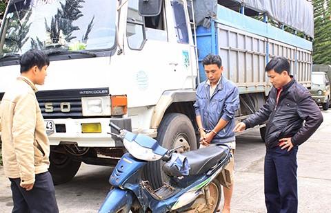 Bắt khẩn cấp tài xế gây tai nạn bỏ trốn - ảnh 1