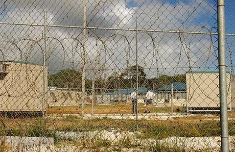 Gây rối trong trại giam người nhập cư ở Úc - ảnh 1