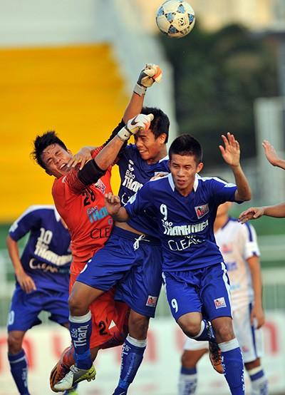 Bóng đá chuyên nghiệp Việt Nam: Như cái chợ… - ảnh 1