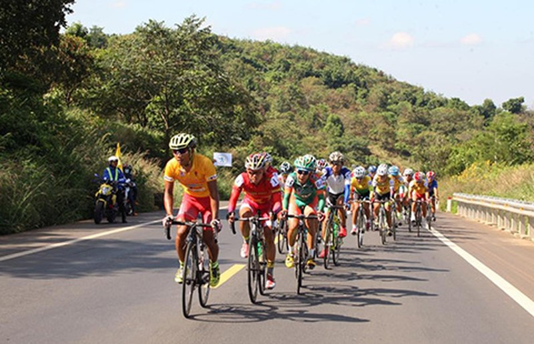 42 tay đua bỏ cuộc khi chinh phục đèo Khánh Lê - ảnh 1