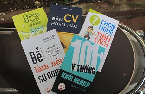 Alpha Books tặng 100.000 quyển sách cho sinh viên - ảnh 1