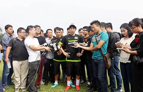 Khi HLV Toshiya Miura chê bóng đá Việt - ảnh 1