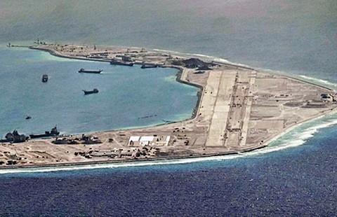 Báo Trung Quốc dọa bắn máy bay Úc - ảnh 1