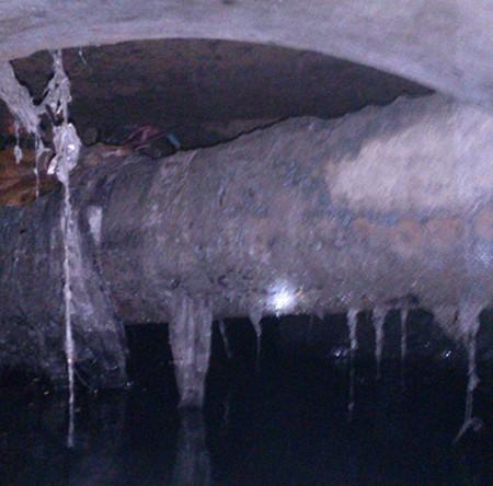 Dân khổ vì cấp nước đụng độ thoát nước  - ảnh 2