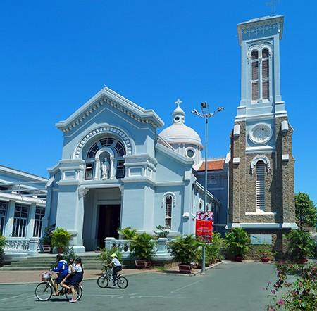 Nhà thờ cổ Sài Gòn - Bài 1: Hạnh Thông Tây với kiến trúc cực hiếm - ảnh 1