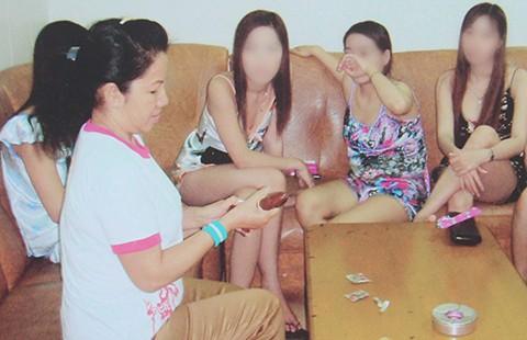 Phê bình trước dân nếu để xảy ra mại dâm  - ảnh 1