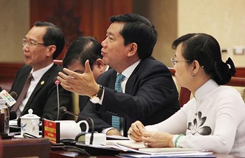 Bí thư Đinh La Thăng: 'Không thể cái gì cũng đẩy lên Thủ tướng' - ảnh 1