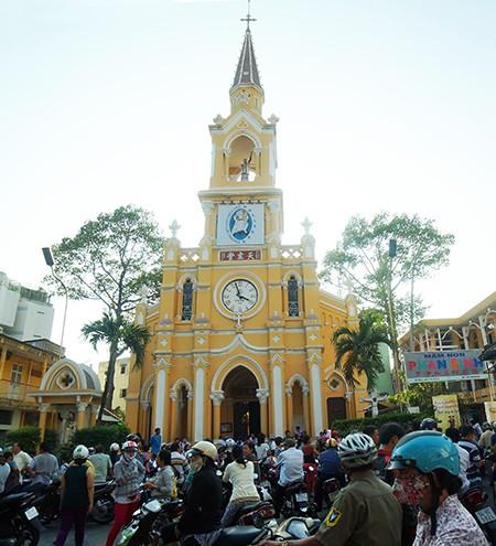 Nhà thờ cổ Sài Gòn - Bài 3: Những nhà thờ đậm chất người Hoa - ảnh 1