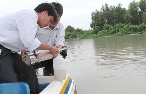 Mặn vào, nhà máy ở Sài Gòn ngưng lấy nước - ảnh 1
