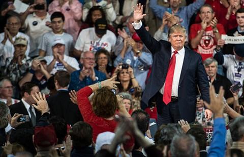 Donald Trump 'bắt nạt' Fox News - ảnh 3