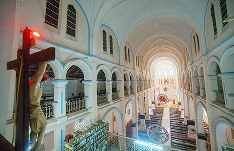 Nhà thờ cổ Sài Gòn - Bài 4: Ngôi nhà thờ nằm trên 'đất vàng' - ảnh 4
