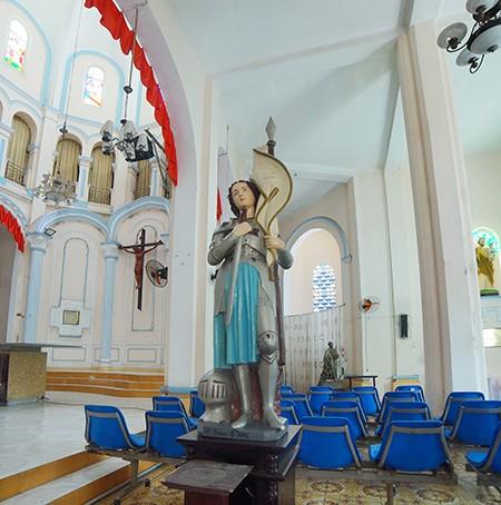Nhà thờ cổ Sài Gòn - Bài 4: Ngôi nhà thờ nằm trên 'đất vàng' - ảnh 5