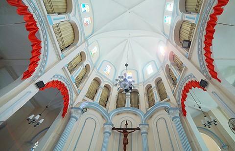 Nhà thờ cổ Sài Gòn - Bài 4: Ngôi nhà thờ nằm trên 'đất vàng' - ảnh 6