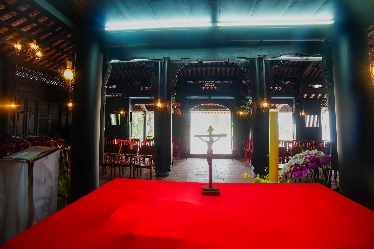 Nhà thờ cổ Sài Gòn - Bài 5: Ngôi nhà nguyện theo kiểu nhà rường hơn 200 năm  - ảnh 7