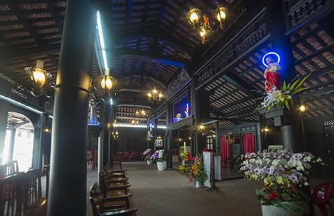 Nhà thờ cổ Sài Gòn - Bài 5: Ngôi nhà nguyện theo kiểu nhà rường hơn 200 năm  - ảnh 2
