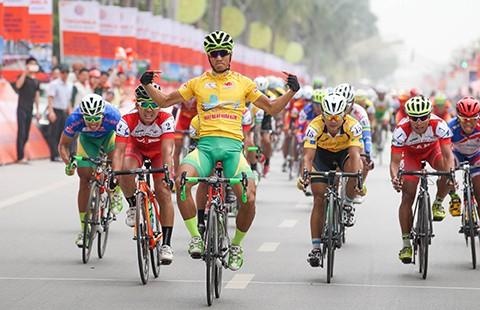 Giải xe đạp Cúp TH - Tôn Đông Á 2016: Nguyễn Thành Tâm vẫn chưa có đối thủ  - ảnh 1