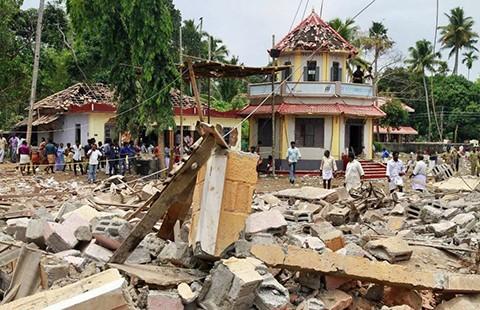 Đền thờ bắn pháo hoa trái phép làm chết 110 người - ảnh 1